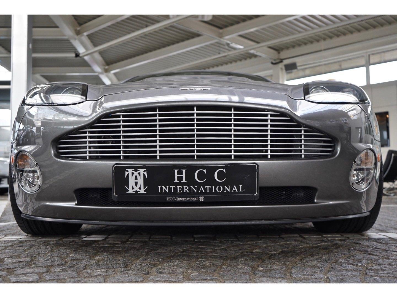 Aston Martin Vanquish (Bild 7)