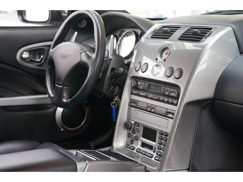 Aston Martin Vanquish (Bild 16)