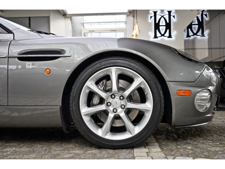 Aston Martin Vanquish (Bild 29)