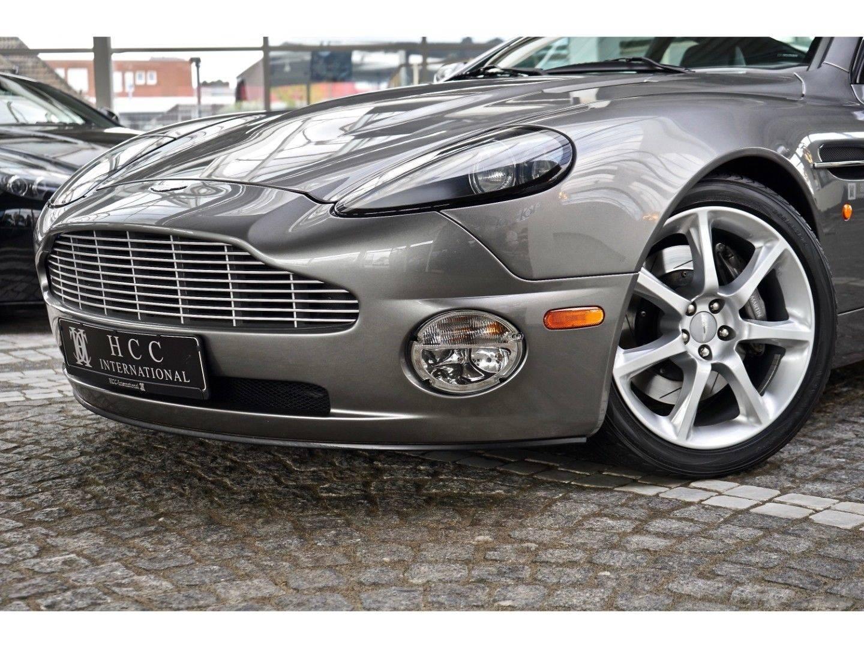 Aston Martin Vanquish (Bild 8)