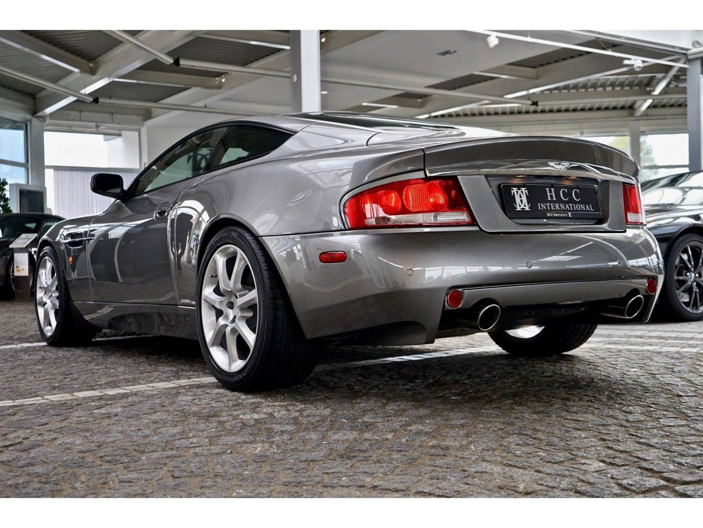 Aston Martin Vanquish (Bild 11)