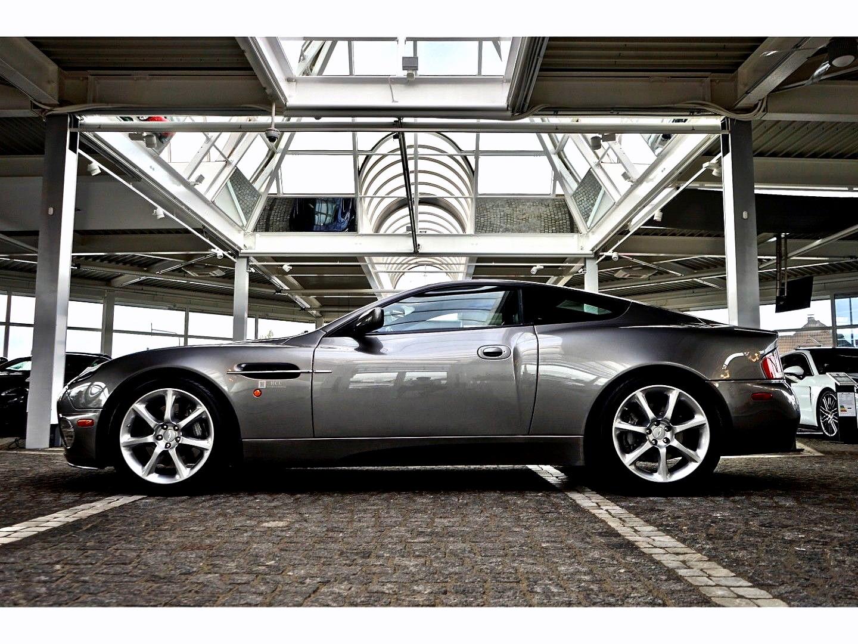 Aston Martin Vanquish (Bild 4)