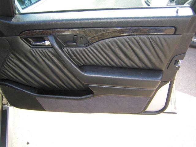 Mercedes-Benz C36 AMG 1.HAND+UNFALLFREI+SCHECKHEFT!C-DATA 2+ (Bild 20)