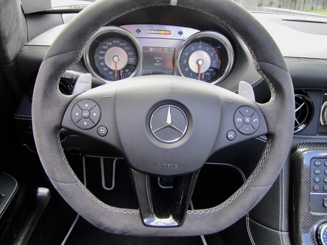 Mercedes-Benz SLS AMG Roadster Final Edition!NETTO 231.000,- (Bild 16)