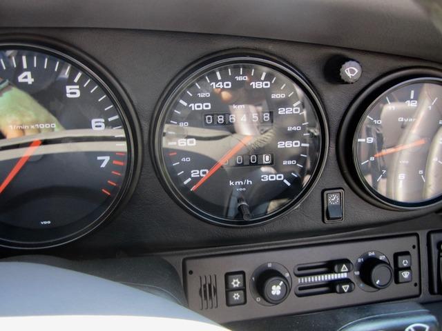 Porsche 993 911 C4 CABRIO UNFALLFREI+SCHECKHEFT! CD 2! (Bild 13)