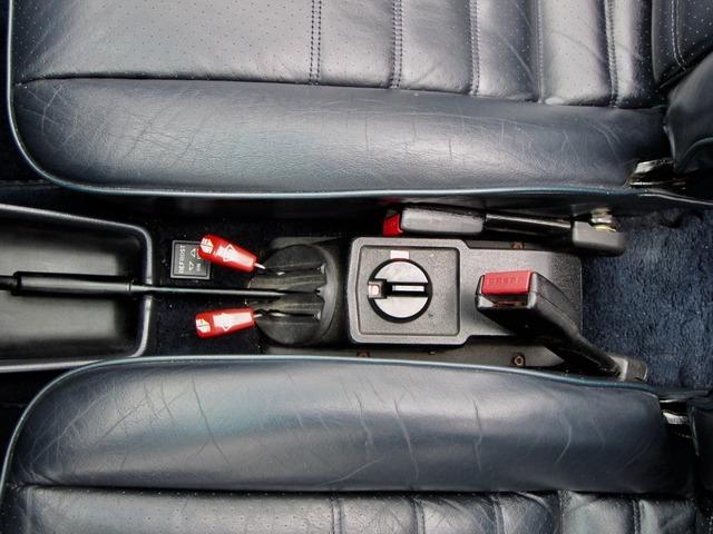 Porsche 911 3.2 CABRIO UNFALLFREI+SCHECKHEFT VERKAUFT ! (Bild 23)