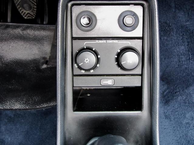 Porsche 911 3.2 CABRIO UNFALLFREI+SCHECKHEFT VERKAUFT ! (Bild 24)