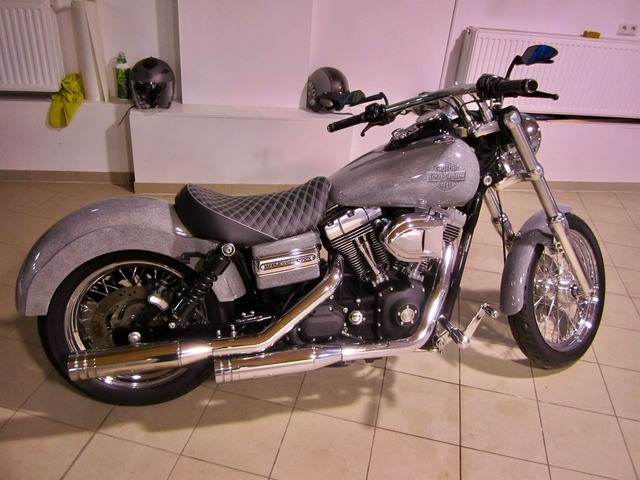 Harley-Davidson DYNA Street Bob  CUSTOM SPEZIAL Jekill und Hyde (Bild 2)