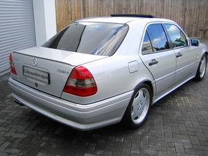 Mercedes-Benz C36 AMG 1.HAND+UNFALLFREI+SCHECKHEFT!C-DATA 2+ (Bild 8)