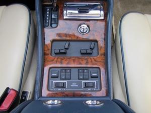 Bentley Azure Deutsche EZ! Unfallfrei+Scheckheft! CD2+ (Bild 28)