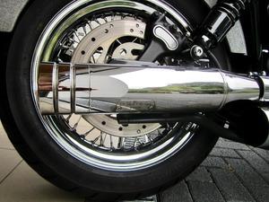 Harley-Davidson DYNA Street Bob  CUSTOM SPEZIAL Jekill und Hyde (Bild 18)
